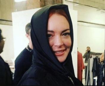 Раскрыта загадка хиджаба на голове Линдси Лохан