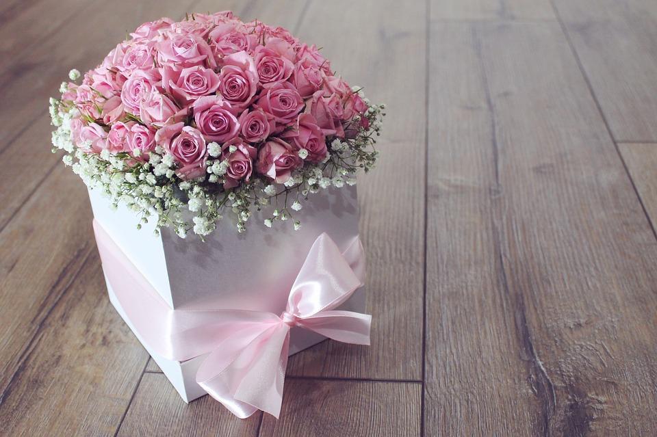 Удобство и особенности доставки цветов как приятного подарка