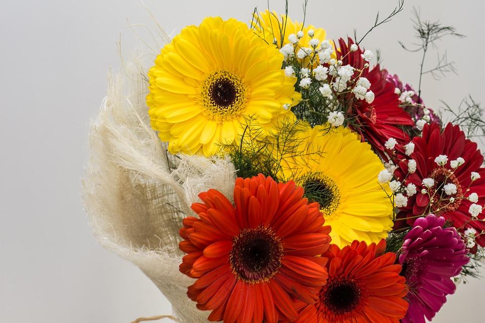 Удобство доставки цветов с флористическим салоном «Florahimki.ru»