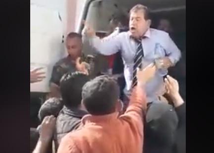 """Сирийский депутат """"подложил свинью"""" Асаду с водой (ВИДЕО)"""