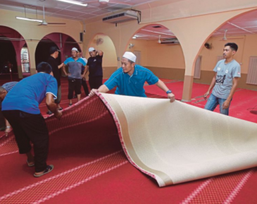 Вторжение свиньи обернулось неожиданными благословениями для мечети