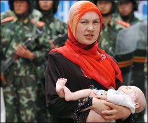Судьба исчезнувших уйгурских мусульманок с детьми вызывает все больше опасений