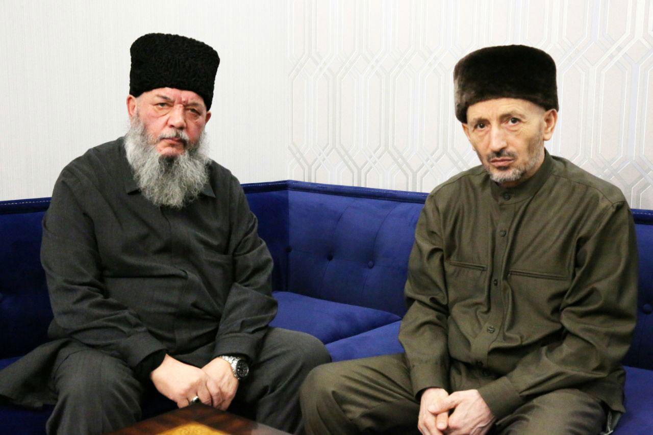 Слева направо: Мухаммад Рахимов и Ахмад Абдулаев