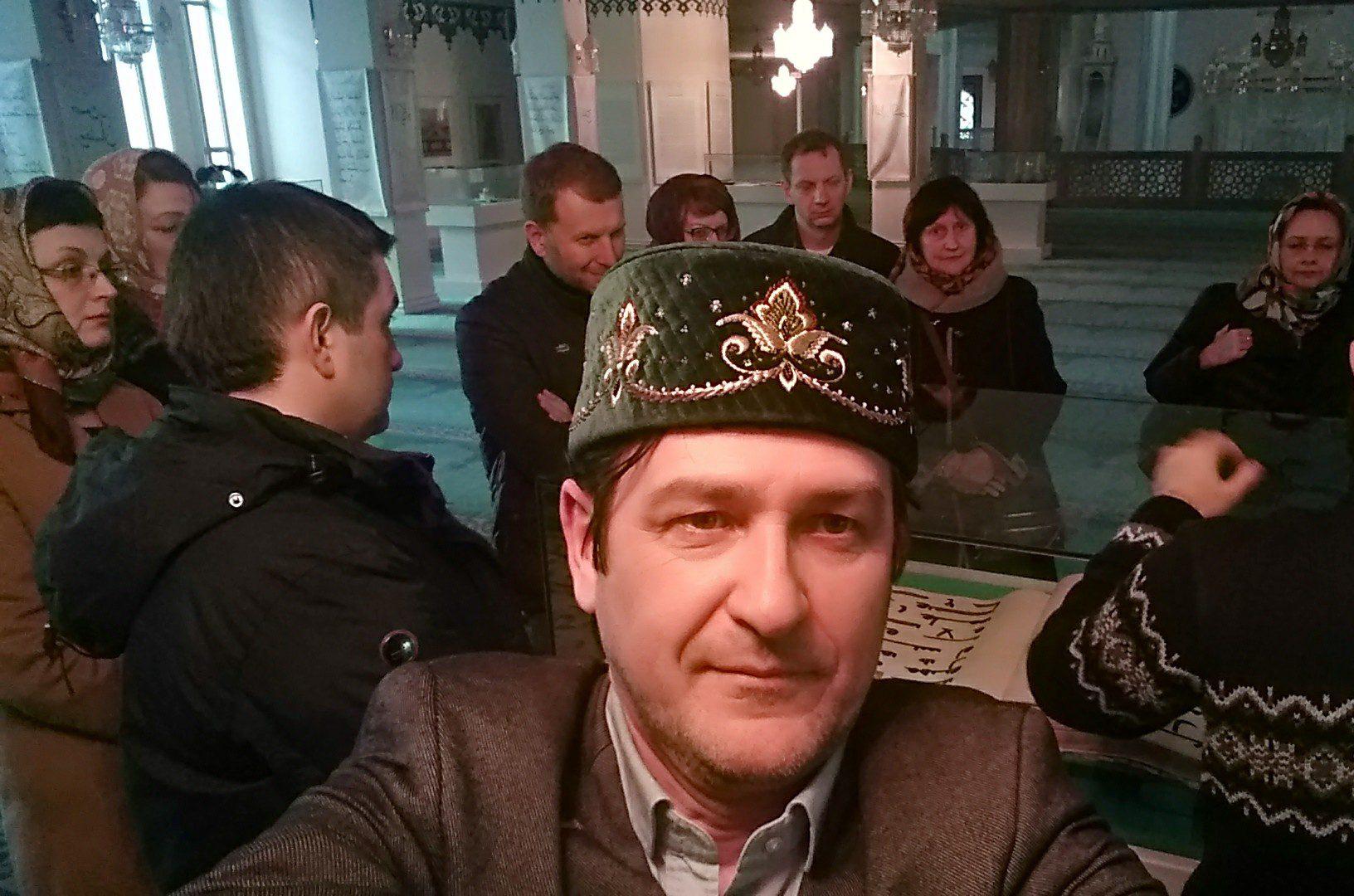 """Ведущие журналисты МИА """"Россия Сегодня"""" посетили Московскую соборную мечеть и поужинали с муфтием"""