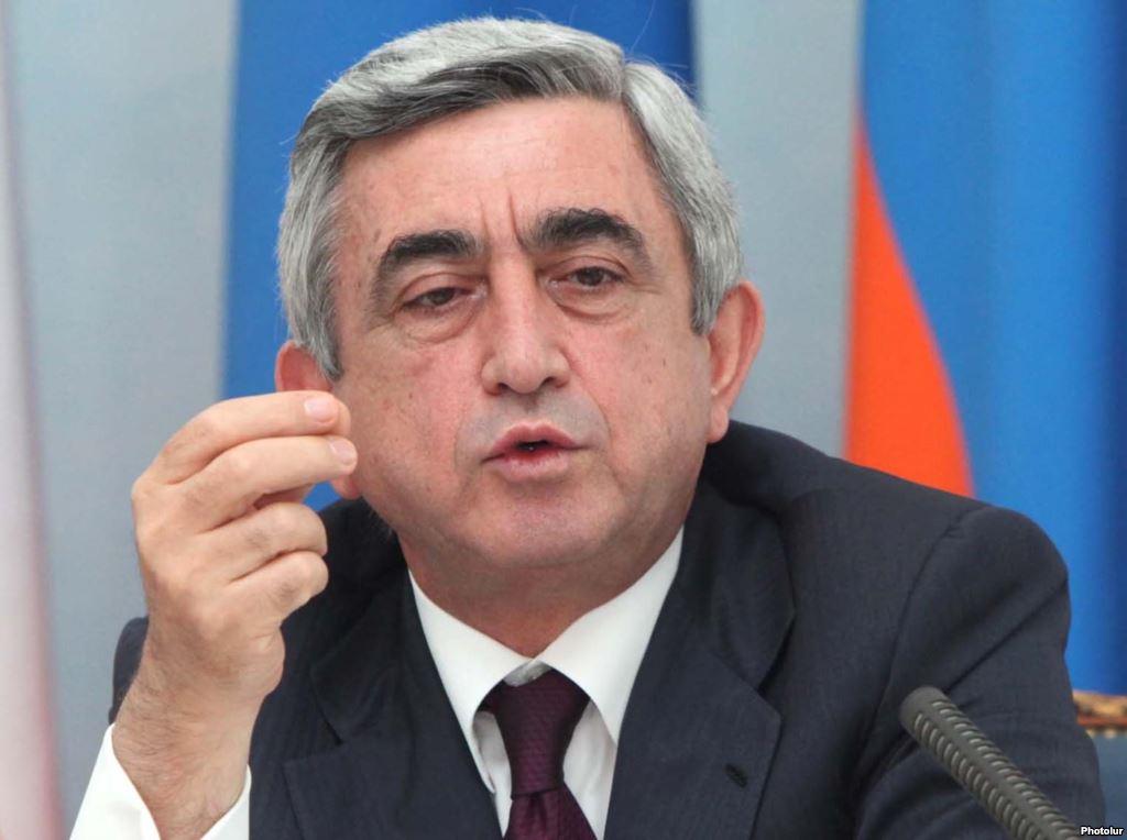 """Премьер Армении Саргсян заявил, что """"был не прав"""", и подал в отставку"""