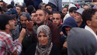 В Австрии у беженцев отнимут телефоны