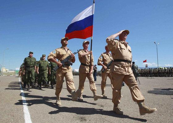 Россия экстренно наращивает боеготовность баз в Центральной Азии