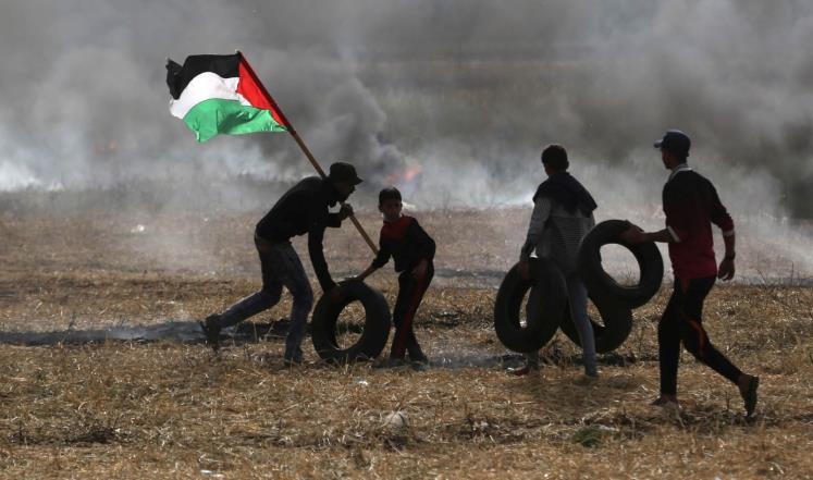 Столкновения палестинцев свойсками Израиля начались награнице сектора Газа