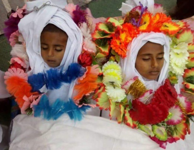 В Сирии дети вышли на демонстрацию против чудовищного удара по афганской школе хафизов (ВИДЕО)