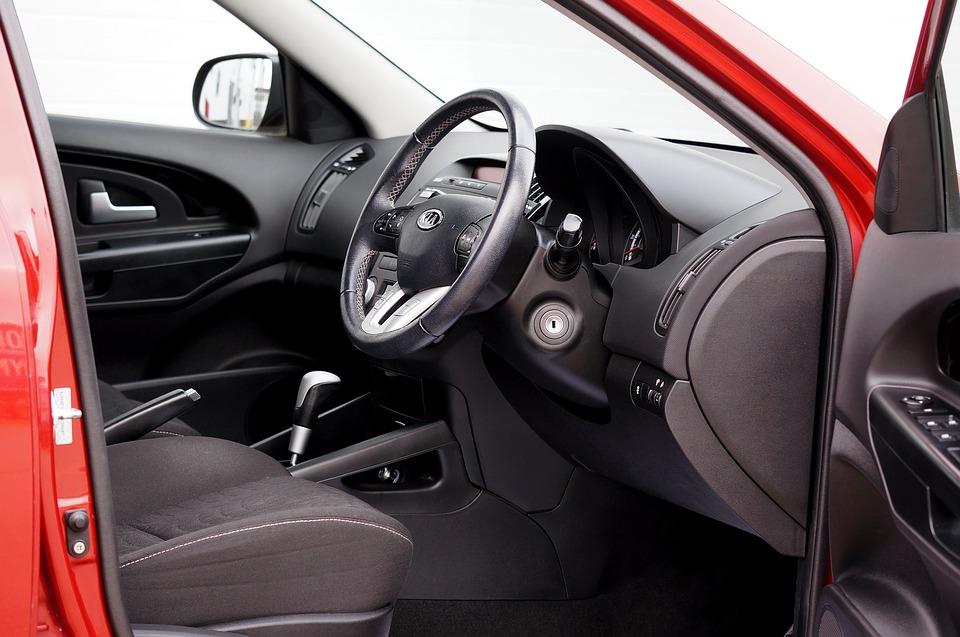 Почему стоит приобрести чехлы на сиденья своего автомобиля?