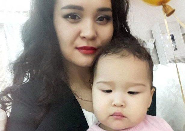 В Казахстане телеведущую разорвало лифтом на глазах у дочки