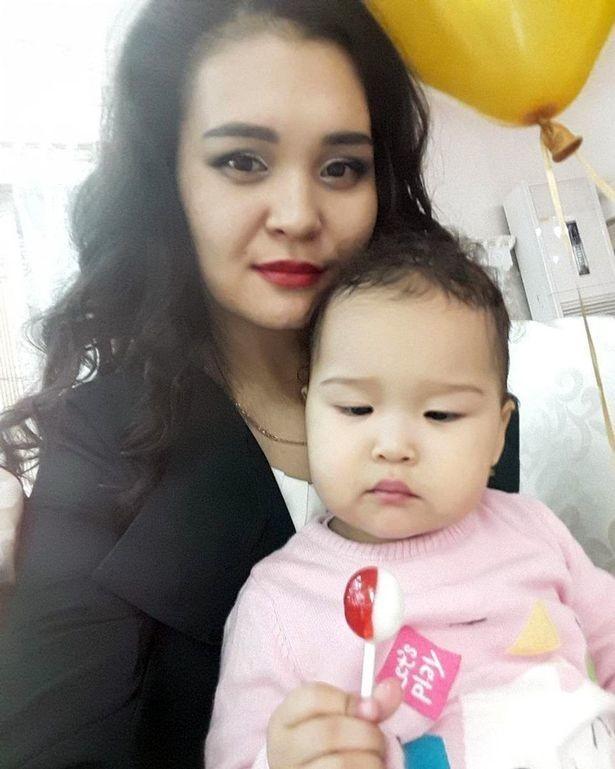 Айзат Абдисамат с дочкой