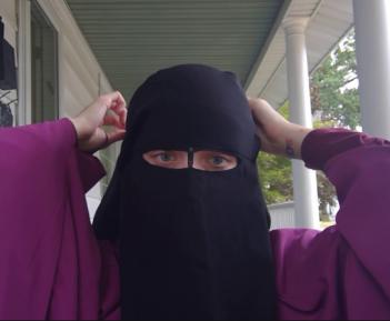 Лицо саудовского министра без никаба вызвало шквал эмоций