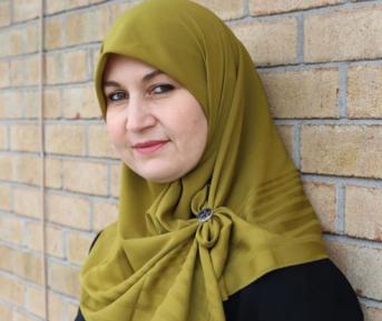 Политик в хиджабе по имени Ева ломает западные стереотипы