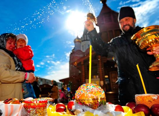 Главные муфтии страны сердечно поздравили православных с Пасхой