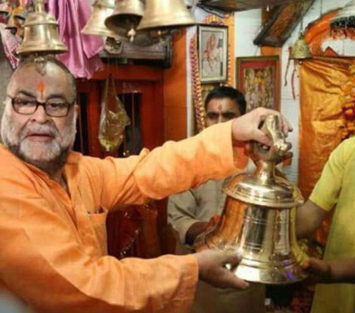 Политик-мусульманин шокировал единоверцев поведением в храме