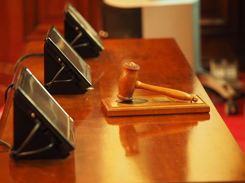 Особенности выбора юриста для заказа адвокатских услуг