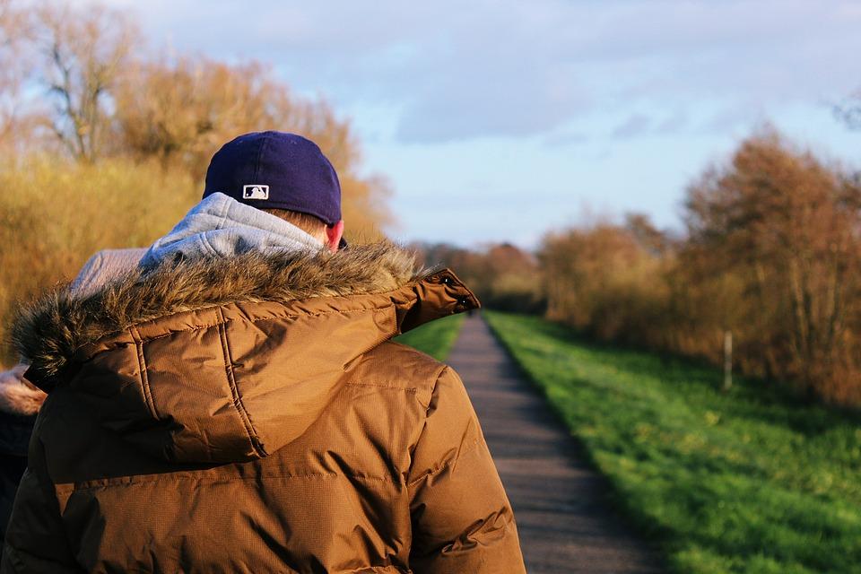 Мужская куртка парка – особенности и преимущества