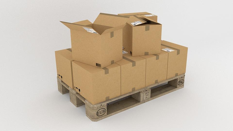 Кому доверить грузовые перевозки в Киеве?
