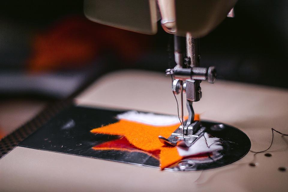 Какую правильную швейную машинку стоит купить и где это сделать?