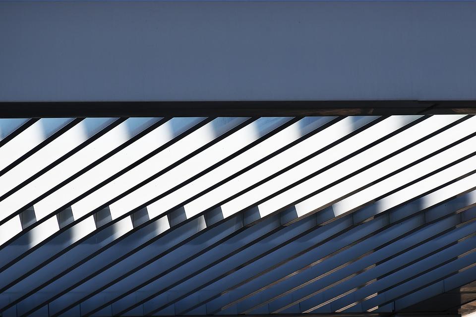 Какие достоинства отличают применение в строительстве легких металлоконструкций?