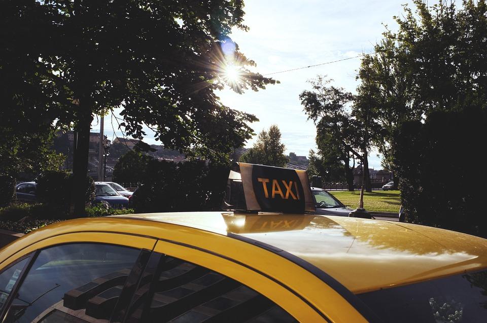 Какую службу такси выбрать в Киеве?