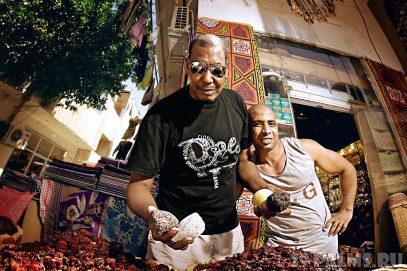 По торговцам-приставалам в Египте ударят фунтом