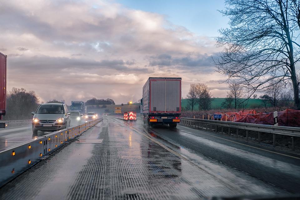 Отличительные тонкости перевозки грузов по территории РФ