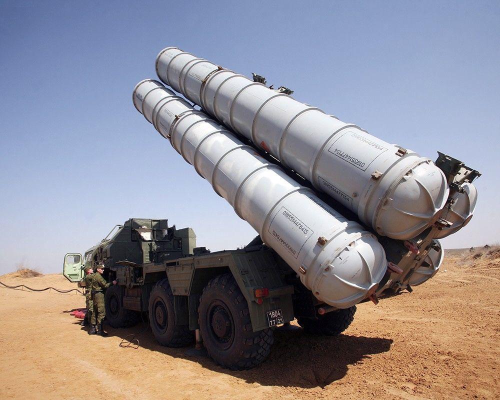 Тель-Авив пригрозил уничтожением российских С-300, защищающих Сирию от израильских налетов