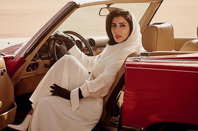 Саудовская принцесса бросила вызов консерваторам с обложки Vogue
