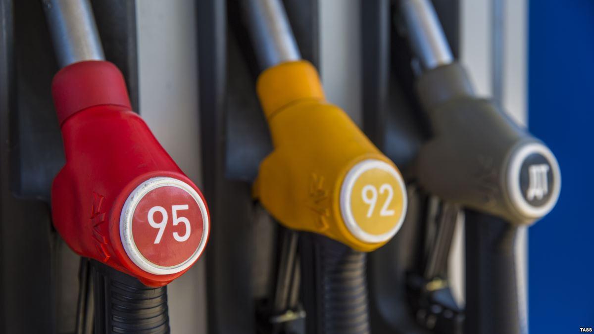 Цены на бензин пробили психологический барьер в 40 рублей за литр