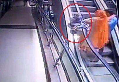 Мать уронила ребенка с третьего этажа, пытаясь сделать селфи (ВИДЕО 18+)
