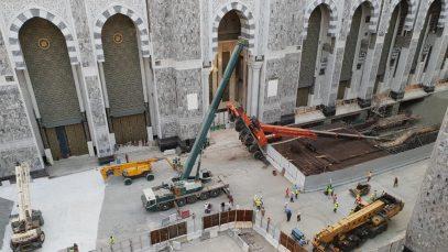 В Заповедной мечети Мекки упал подъемный кран