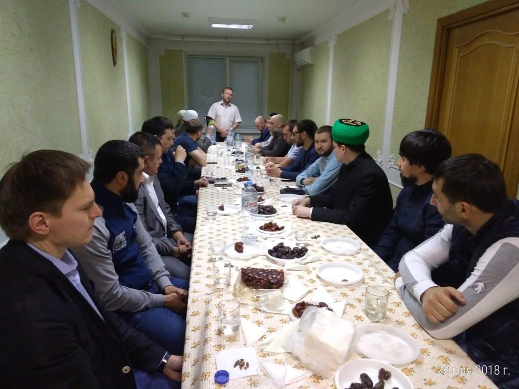 В Москве прошел политически значимый «голодный ифтар»