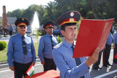 В Таджикистане милиционеры попытались разбогатеть с помощью гея и влипли
