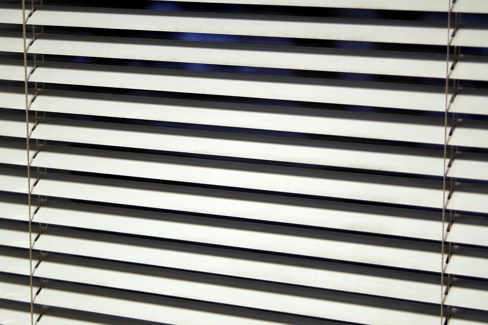 Жалюзи – современные технологии управления светом, рекомендации по выбору