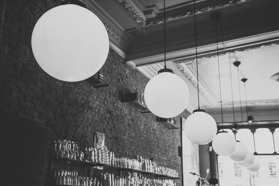 Подвесной светильник – всегда востребованная классика в освещении