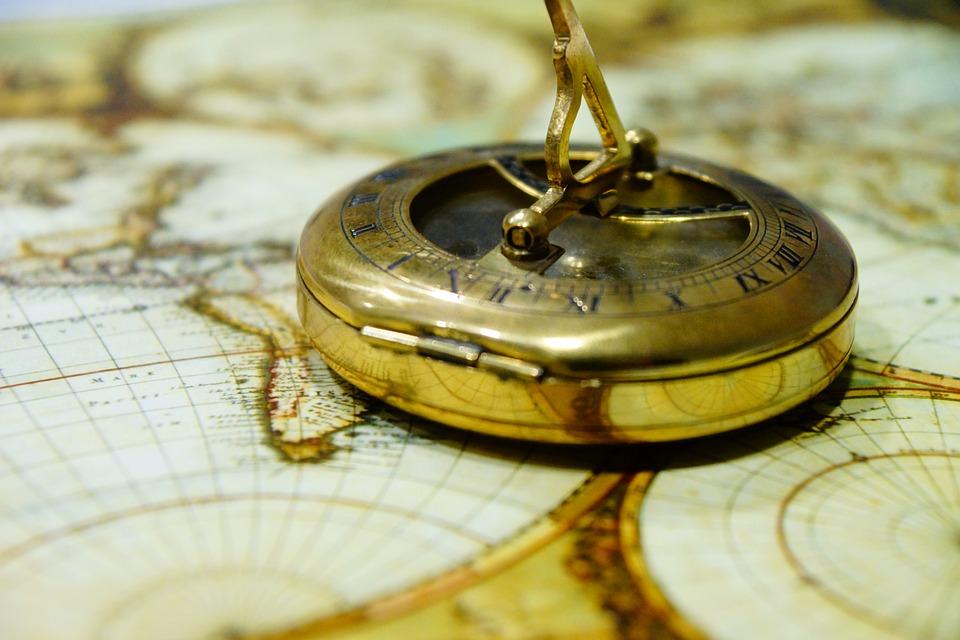 Что представляет собой антиквариат и почему он востребован?