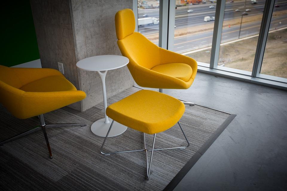 """Какие достоинства отличают стильные стулья """"Eames""""?"""