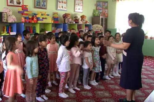 Таджикские дети стали звездами Рунета из-за клипа (ВИДЕО)