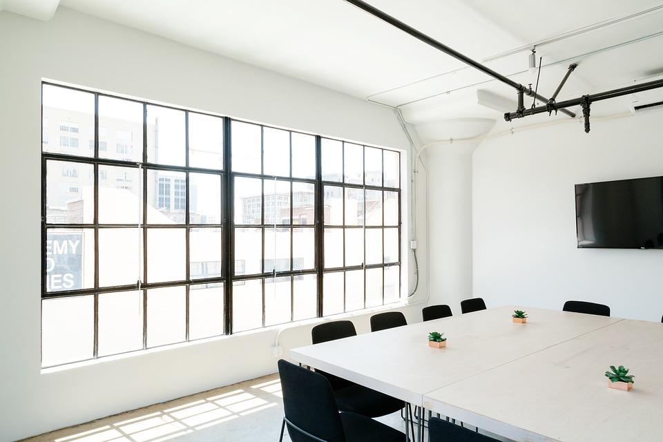 Подвесной потолок – это удобно и красиво