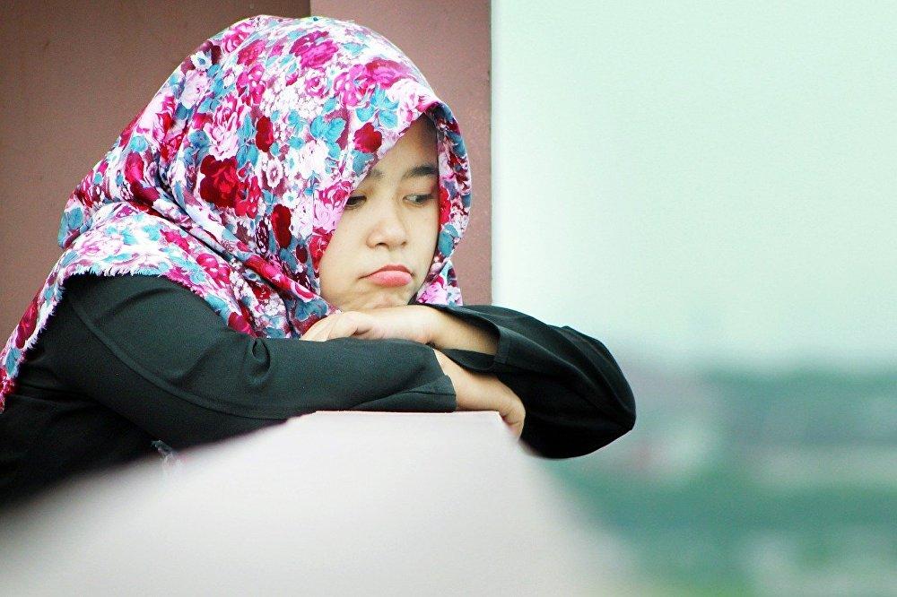 В Казахстане оставили на второй год школьниц, носивших платок