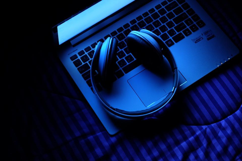 Причины популярности онлайн-прослушивания аудиозаписей