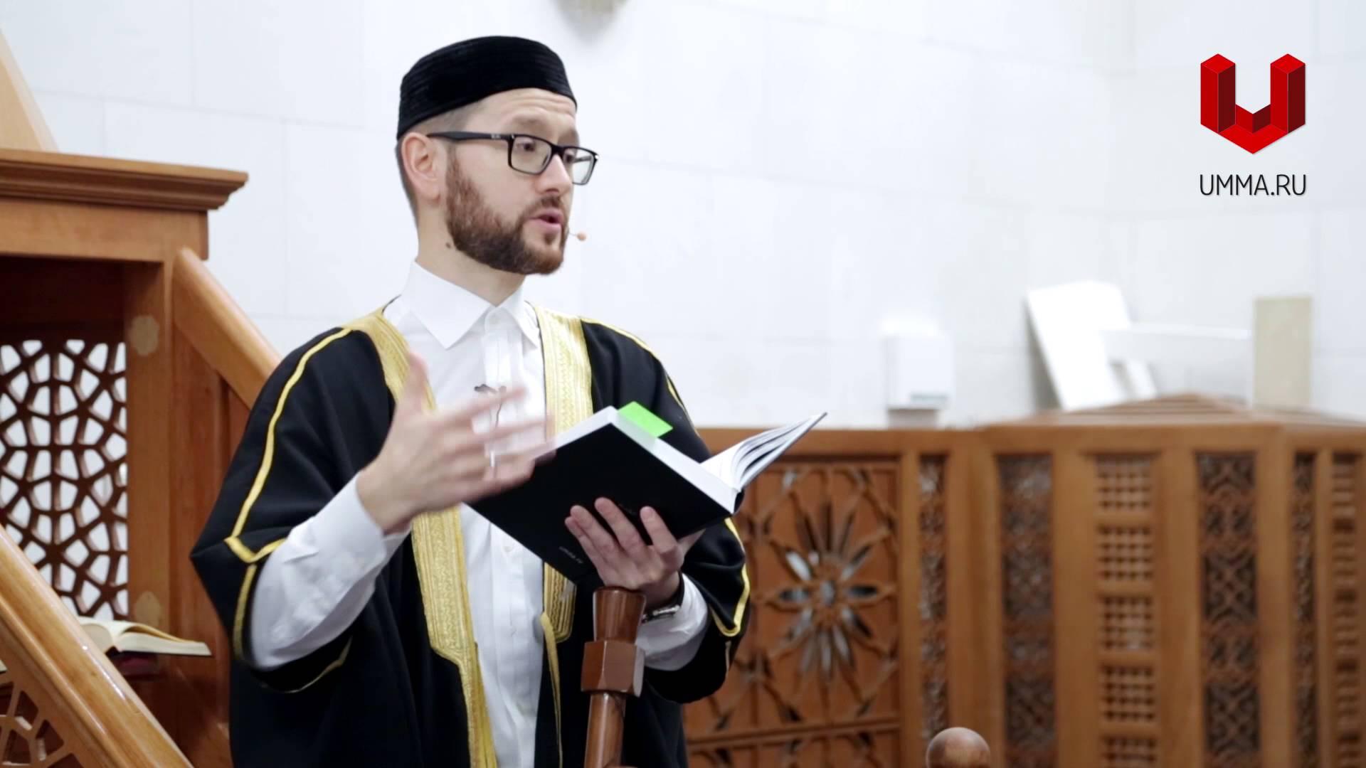 Шамиль Аляутдинов на минбаре мечети