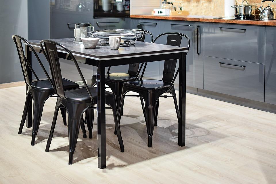 Грамотные советы по подбору стола и стульев для вашей кухни