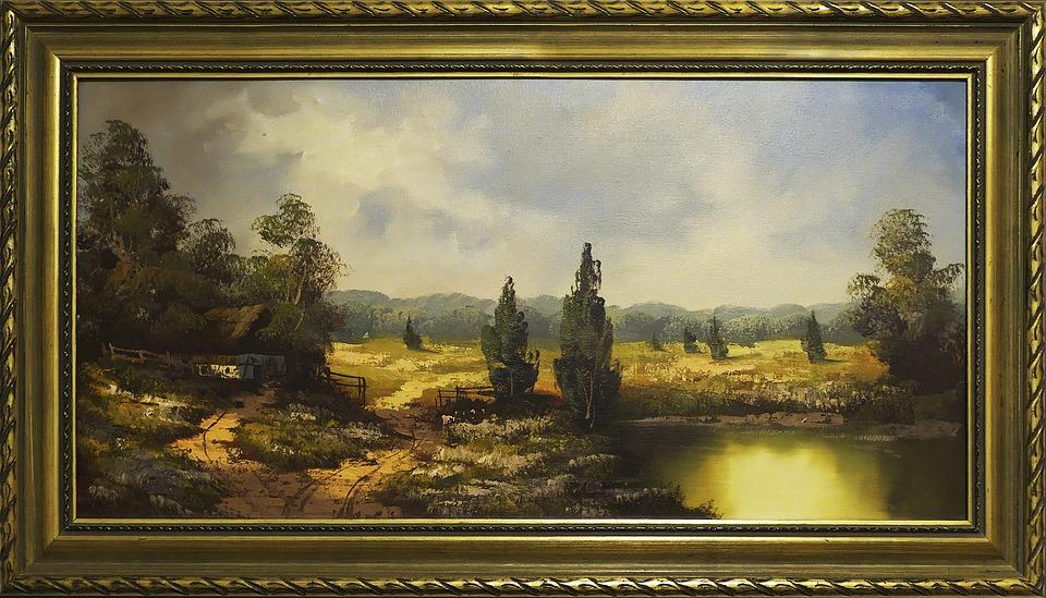 Можно ли выгодно продать старинную картину в Москве?