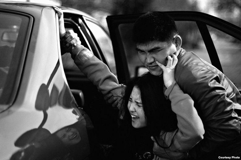 ООН призвала власти Кыргызстана пресечь практику похищения невест