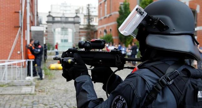 В Бельгии полицейский застрелил двухлетнюю девочку-мигрантку