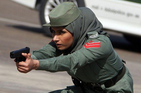 Полиция Абу-Даби вылавливает наркодилеров на ифтаре