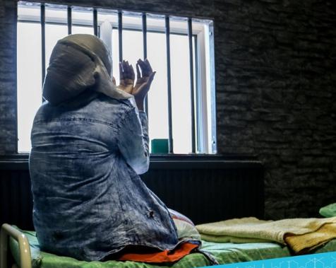 Заключенных-мусульман в Рамадан морят голодом